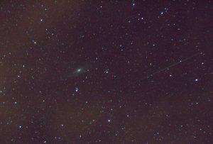 Una perseida junto a la galaxia de Andrómeda